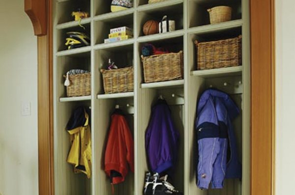delta-closets-mud-room-organization-2