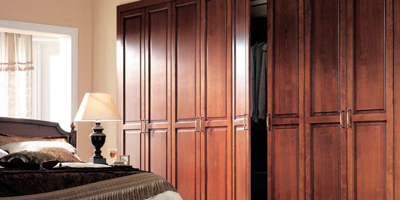 delta-closets-full-width-builtin