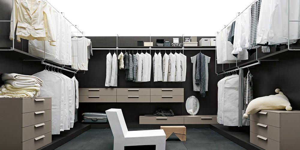home-walk-in-closet-slider-11