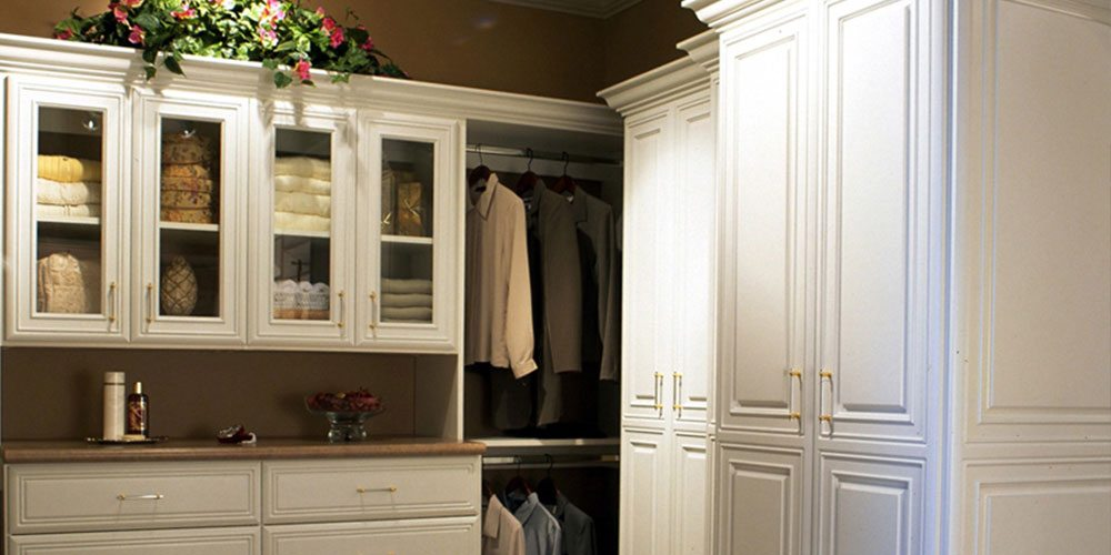 home-walk-in-closet-slider-12
